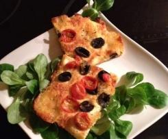 Focaccia fine aux Tomates cerises, olives et thym