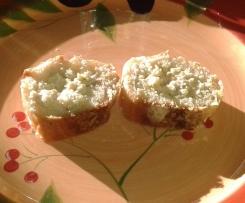 Baguette farcie au jambon, comté, cornichons