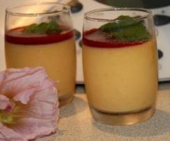 Crème d'abricots avec son coulis de framboises