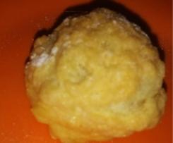 Variante de Choux au craquelin, fourré Crème vanille, coeur caramel