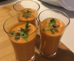 Gaspacho ou Gazpacho Andalou en mini verrines pour l'apéro