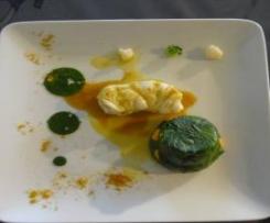 Terre et Mer de Curry dans la main de bouddha, Timbale d'épinards au butternut, Gelée verte aux billes de caviar citron