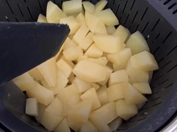 cuisson de pomme de terre l 39 eau par celinesteph une. Black Bedroom Furniture Sets. Home Design Ideas
