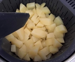 Cuisson de pomme de terre à l'eau