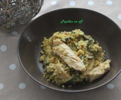 Salade de poulet, boulgour et sauce sucrée salée