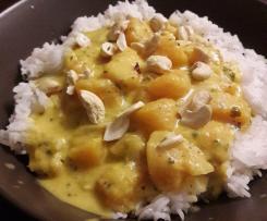 Curry de butternut au lait de coco et noix de cajou