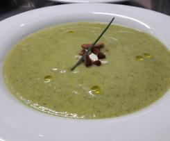Soupe de courgette et ail au lait d amande
