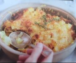 Gratin de pommes de terre au fromage et restes de viande
