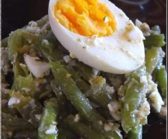 Salade de haricots verts, vinaigrette à l'oeuf écrasé