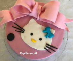 Gâteau Hello Kitty en pâte à sucre - spécial allergique à l'oeuf