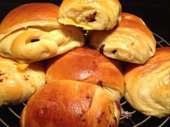 Petits pains brioch s au chocolat par lili weight une recette de fan retrouver dans la - Recette petit pain au lait ...
