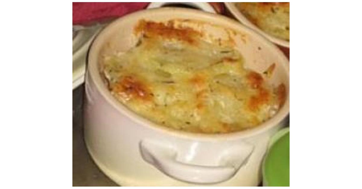 Gratin de pur e de pomme de terre au mont d 39 or par manuegege une recette de fan retrouver - Mont d or four ...