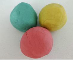 Pâte à modeler comme de la Play-Doh