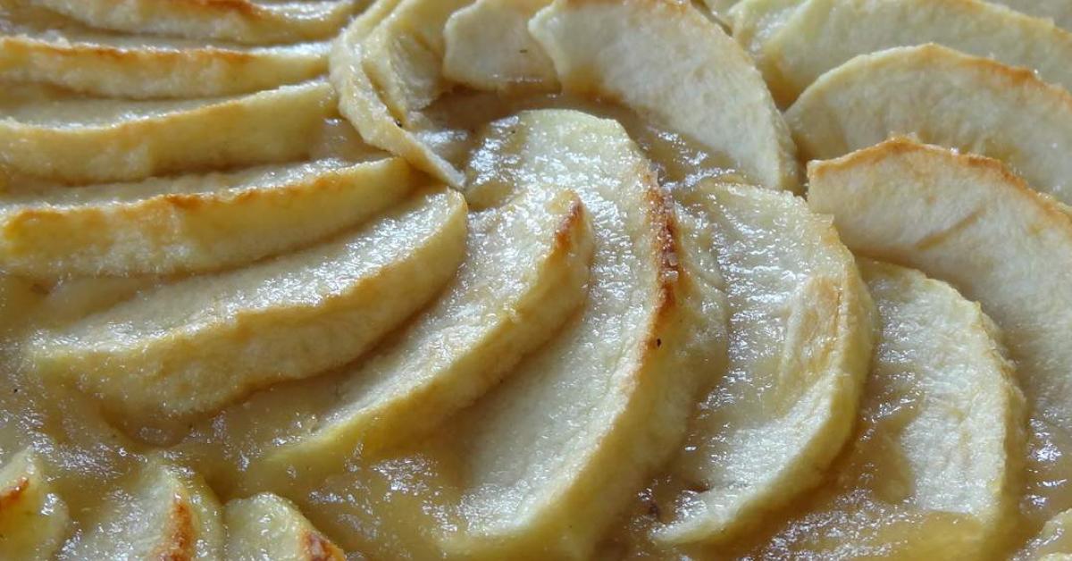 Tarte aux pommes par chantalg49 une recette de fan retrouver dans la cat gorie p tisseries - Combien de gramme de pate par personne ...