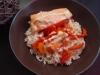 Saumon, légumes, riz, sauce au safran