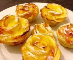 Roses feuilletées aux pommes et crème d'amandes