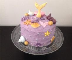Layer Cake Sirène (gâteaux vanille colorés, ganache praliné et chantilly)