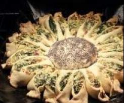 """Tarte salée """"tournesol"""": lardons, épinards & Ricotta."""