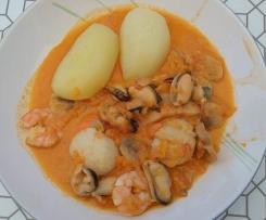 Ragoût de coquilles saint-jacques aux fruits de mer
