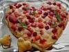 Coeur de pizza aux fruits rouges et basilic