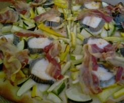 Pizza aux courgettes chèvre et lard