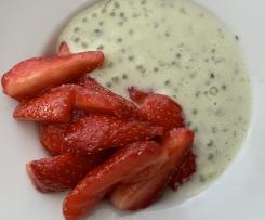 Salade de fraises et perles du Japon au basilic