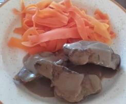 Filet mignon au vinaigre balsamique et tagliatelles de carottes