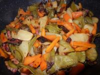 Pois gourmands aux carottes pdt et lardons